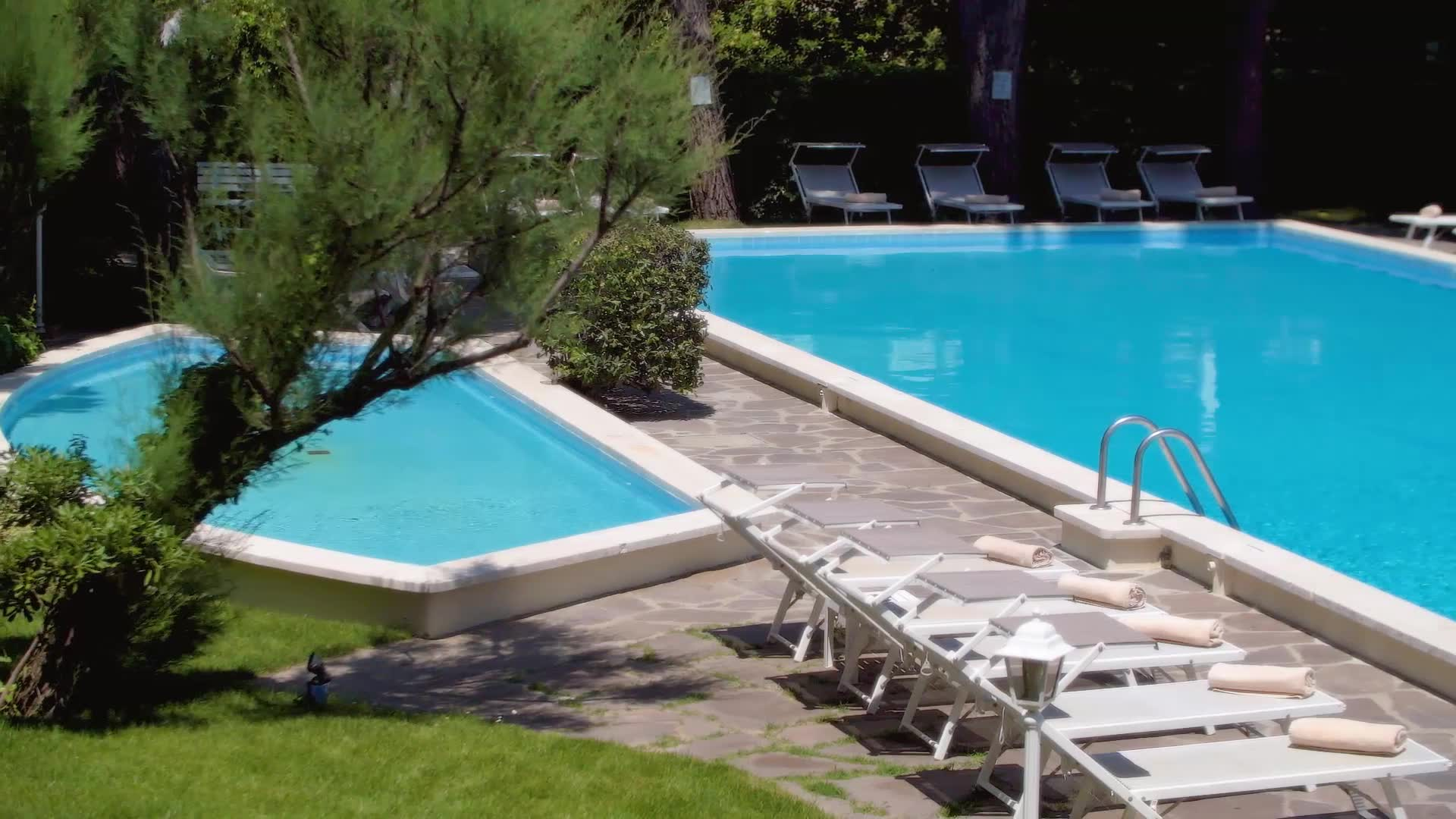 4-star Hotel Doge with large pool and garden in Milano Marittima